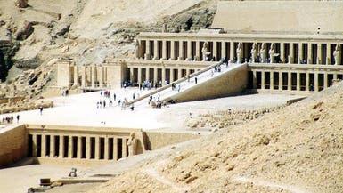 مصر.. اكتشاف مقبرة تحتوي على 50 مومياء