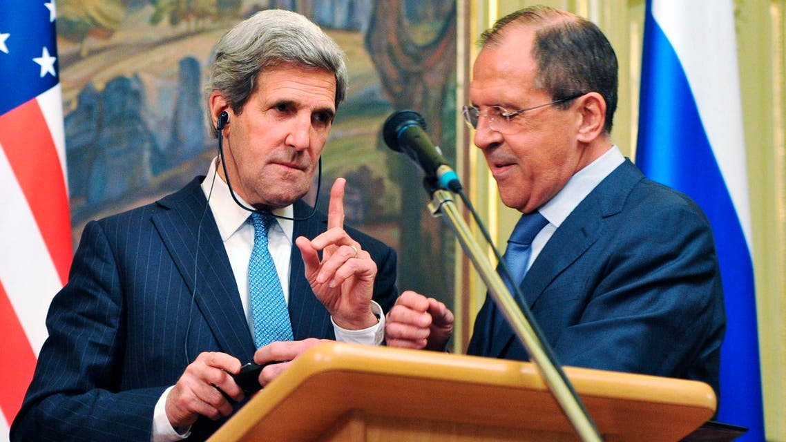 كيري يرفض بحث الوضع في أوكرانيا مع لافروف