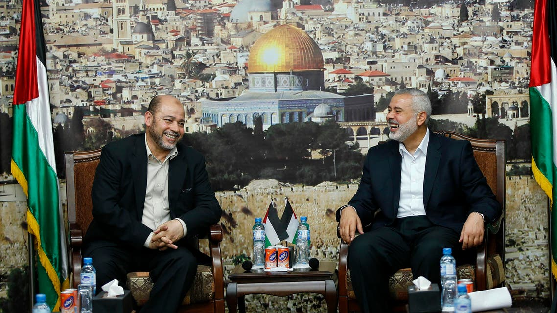 Senior Hamas leader Moussa Abu Marzouk (L) meets with the head of the Hamas government Ismail Haniyeh in Gaza City April 21, 2014. (Reuters)
