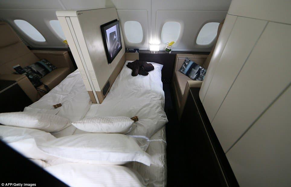 3 غرف نوم وخادم وطباخ على متن الطائرة الأفخم بالعالم