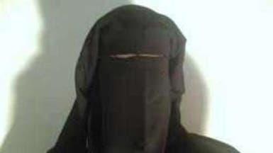 """""""القاعدة"""" تعلن مقتل أروى البغدادي وابنها وشقيقها"""