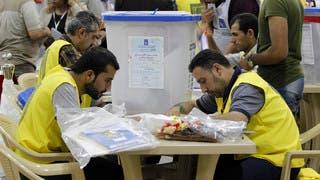 من عملية فرز الأصوات بالانتخابات في العراق