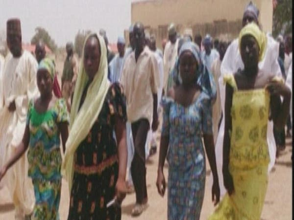 الرئيس النيجيري يعتقد أن التلميذات المختطفات لا يزلن داخل البلاد