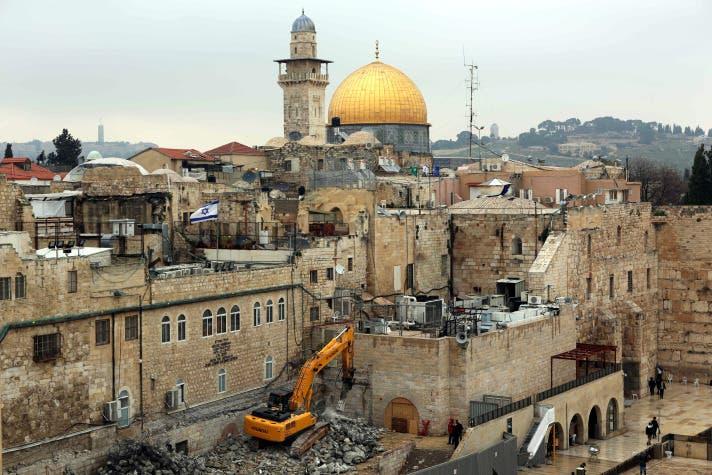 حفريات و هدم مبان فلسطينية في القدس