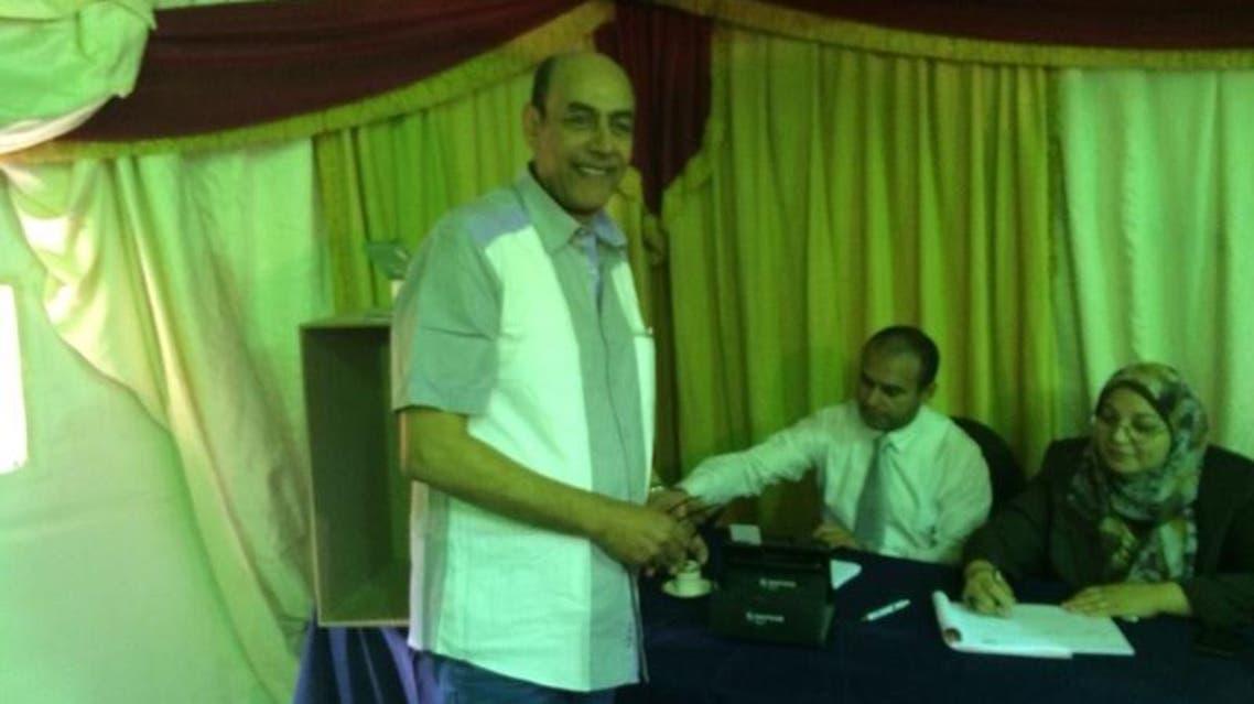أحمد بدير يصوت للسيسي