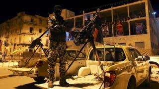 تجدد الاشتباكات في بنغازي وقصف صاروخي على قاعدة جوية