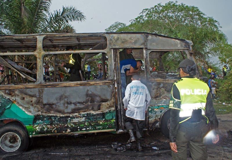 غضب يجتاح كولومبيا بعد حريق ألتهم حافلة أطفال