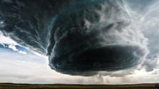 بالفيديو.. شاهد كيف ينشأ وينجلي الإعصار