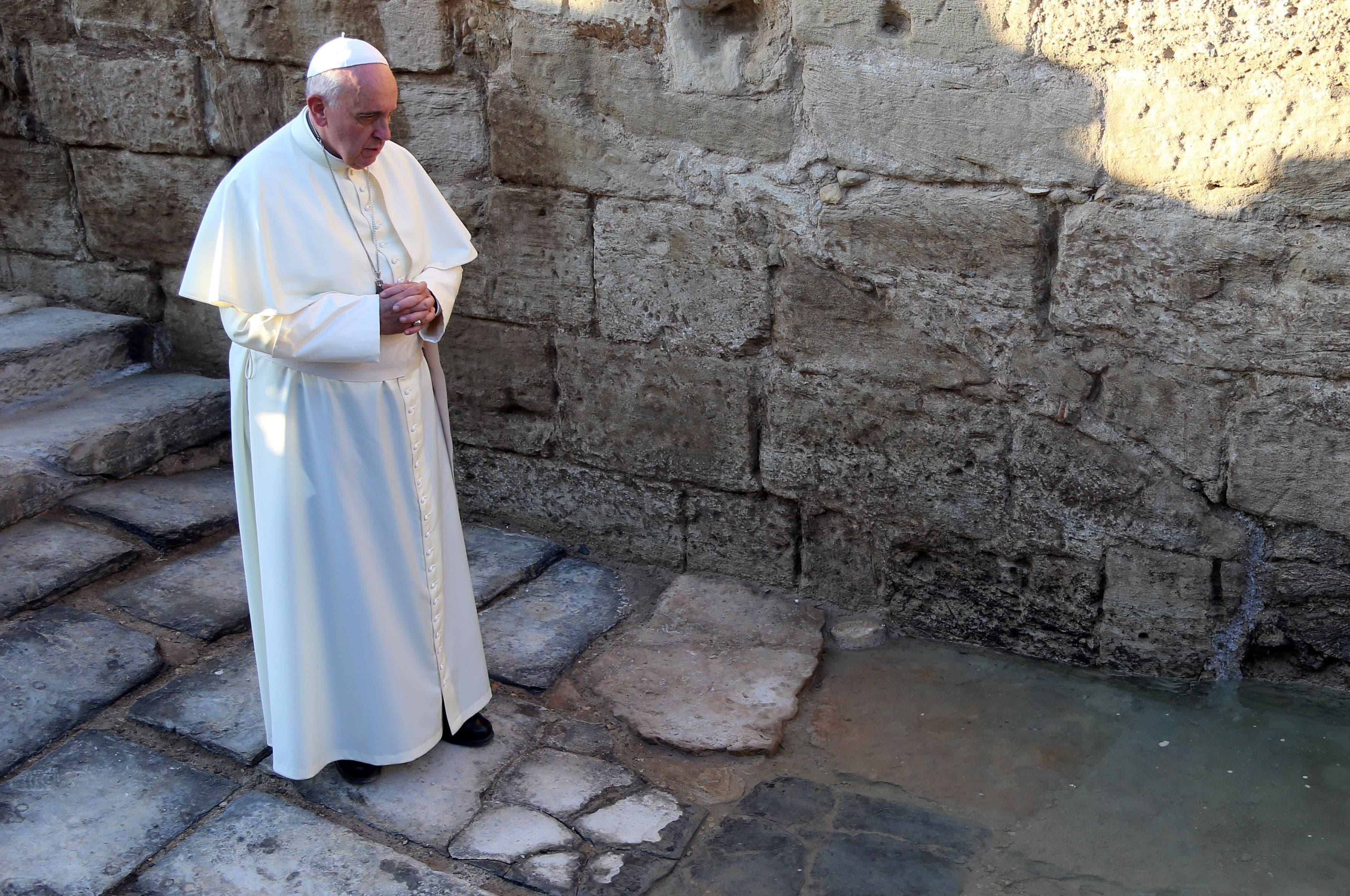 Christians rejoice as Pope kicks off Holy Land visit in Jordan