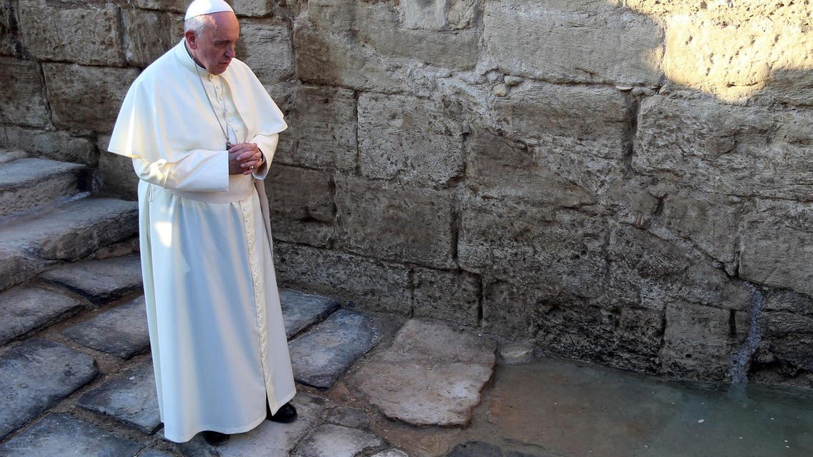 Christians rejoice as Pope kicks off Holy Land visit in Jordan