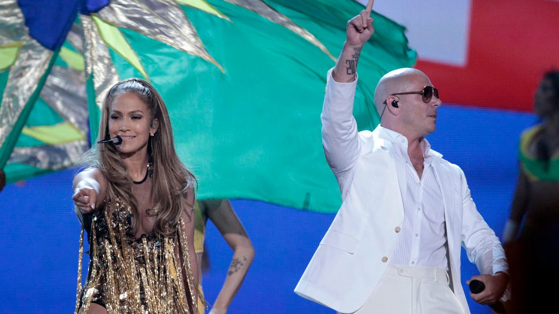 Singers Jennifer Lopez and Pitbull perform at the 2014 Billboard Music Awards in Las Vegas, Nevada May 18, 2014. Reuters