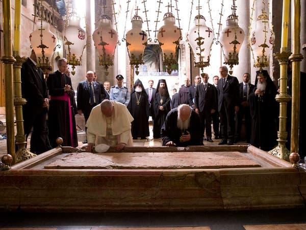 البابا يدعو عباس وبيريز للصلاة معه في الفاتيكان