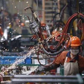 نمو أنشطة المصانع الصينية يتباطأ لأدنى مستوى في 5 أشهر