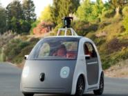 غوغل تقول إنها قلصت أعطال تقنية سيارتها ذاتية القيادة