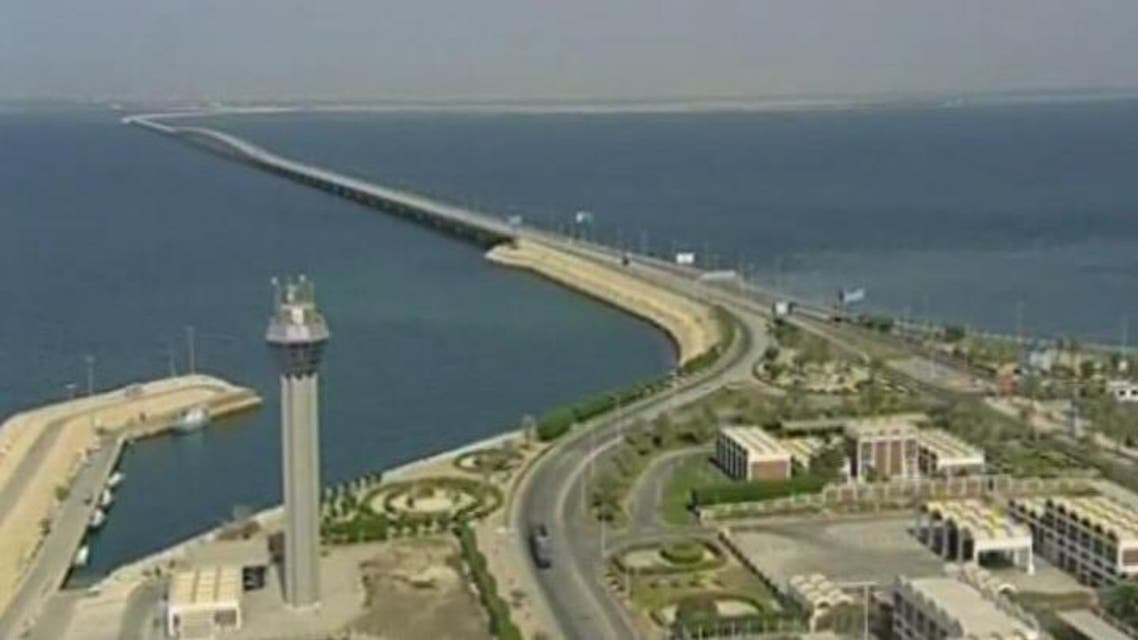 THUMBNAIL_ ازدحام كبير يشهده جسر الملك فهد