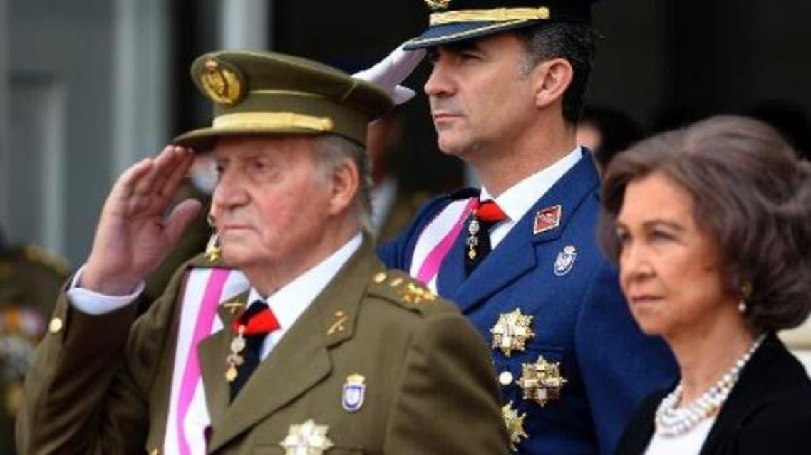 ملك إسبانيا يتنازل عن العرش لولي عهده