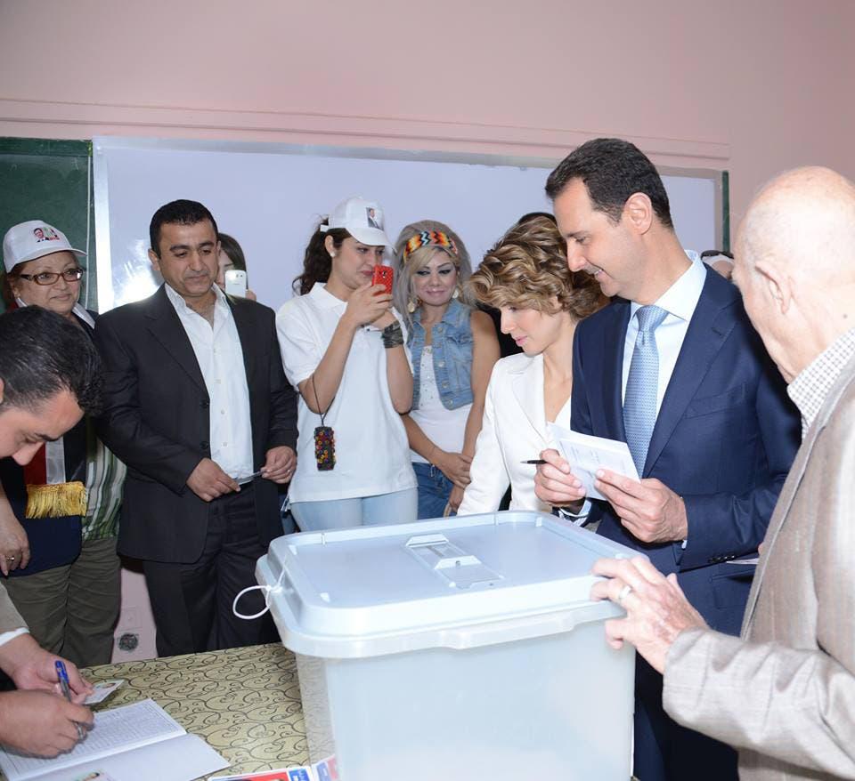 الاسد يدلي بصوته في الانتخابات الرئاسية في مركز في وسط دمشق  - أرشيفية