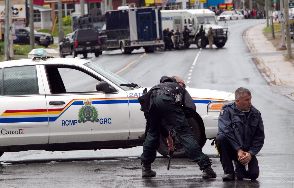 اعتقال مشتبه به في قتل 3 ضباط شرطة