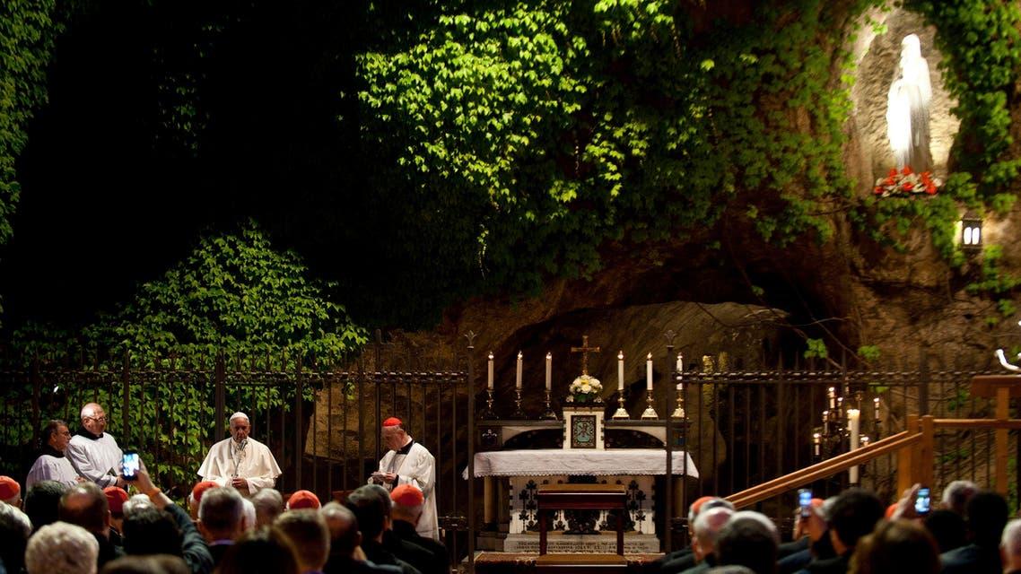 hcyfv vatican garden