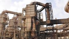 Insurgents surround Iraq's largest refinery in Baiji