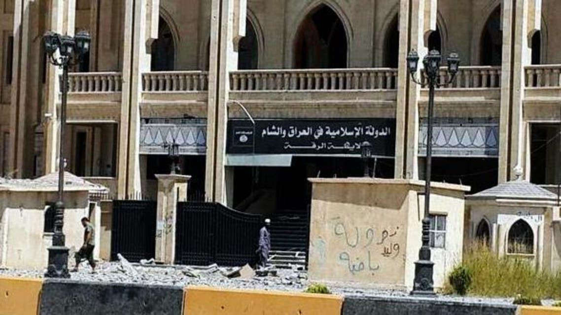 سلاح الجو السوري يقصف مقرات تنظيم داعش في الرقة