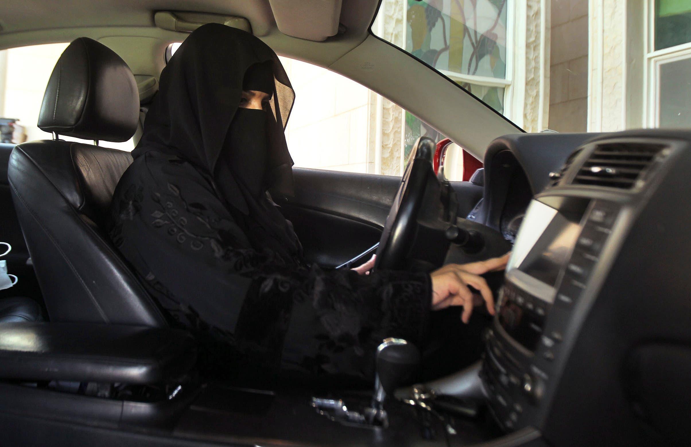 A woman drives a car in Saudi Arabia October 22, 2013.