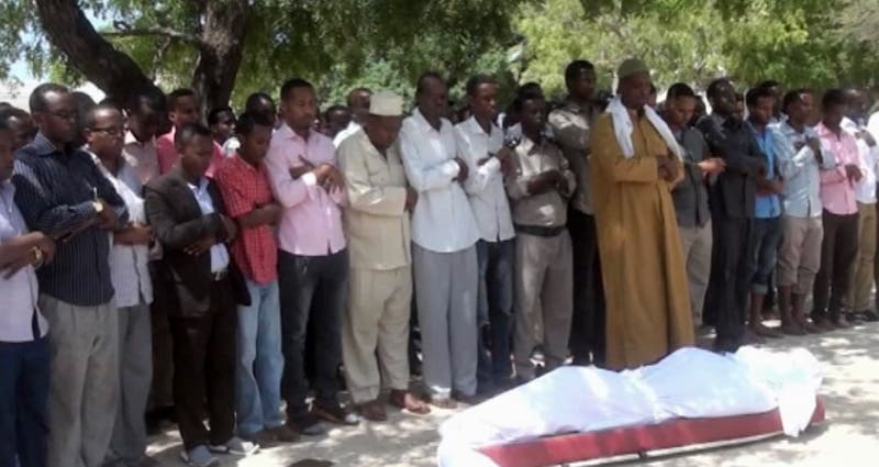مقتل صحافي صومالي زرعت قنبلة أسفل سيارته