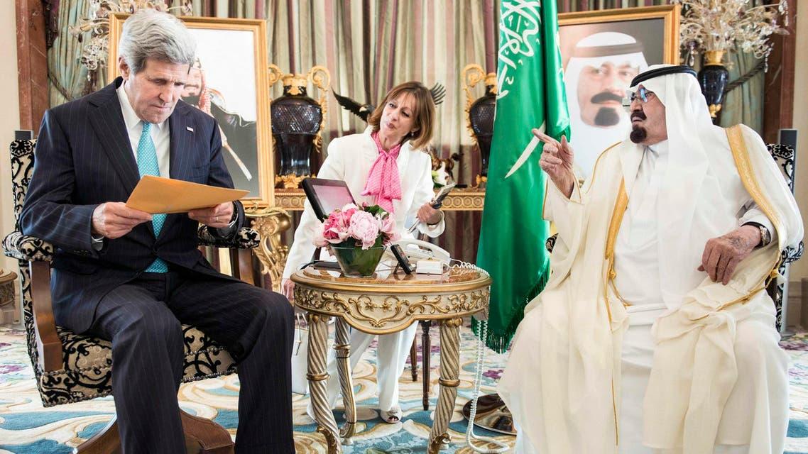 الملك عبدالله خلال استقبالة جون كيري