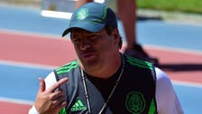 Mexico coach becomes Internet sensation over pitch antics