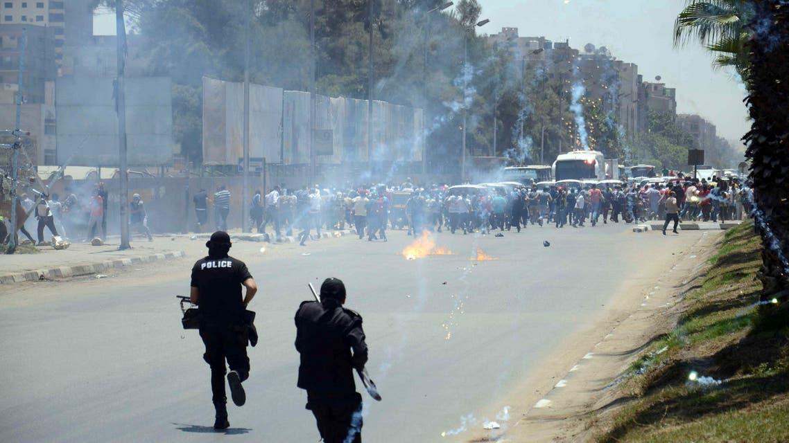 اشتباكات بين الإخوان والجيش المصري