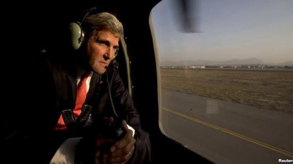 kerry at kabul airport