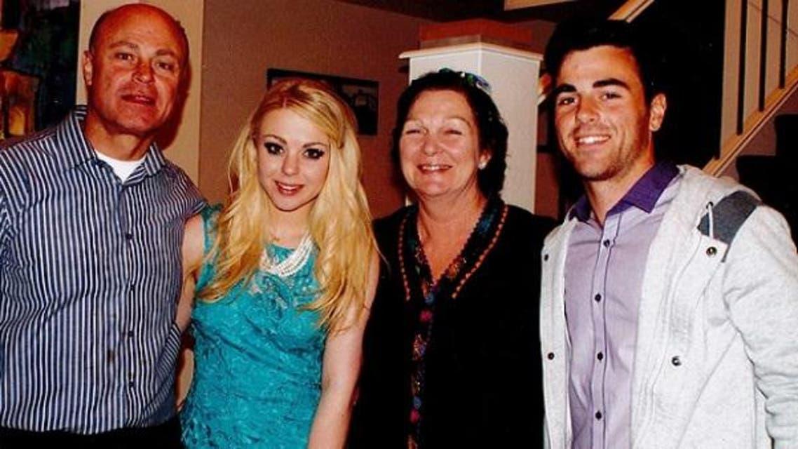 الزوجان القتيلان ماري وألبرت رزق مع ابنيهما فانيسا وجيمس