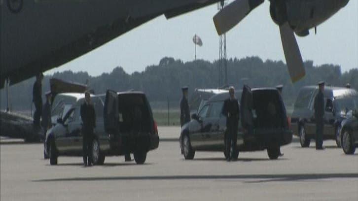 هولندا تستقبل أولى جثث ضحايا الطائرة الماليزية