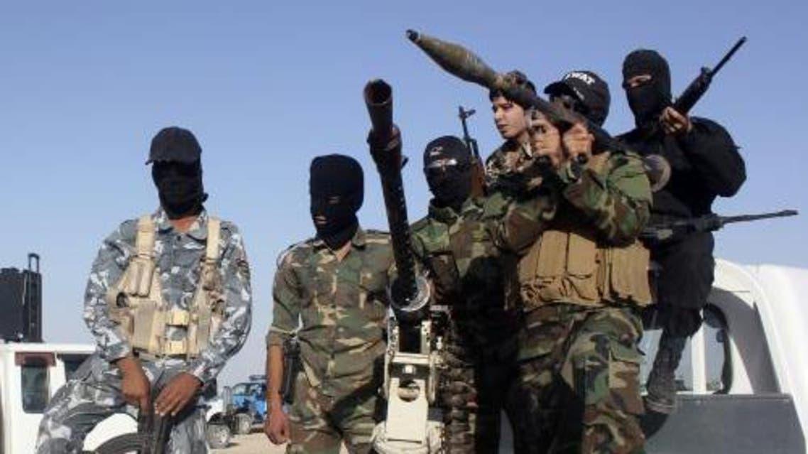 Iraqi soldiers and jihadists reuters
