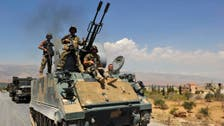 """أنباء عن ذبح جندي لبناني.. و""""داعشي"""" ينشر الصورة"""
