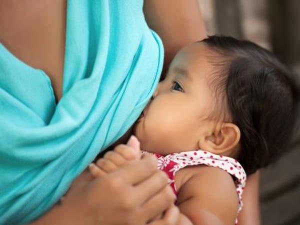 الرضاعة الطبيعية تقي الطفل من أمراض القلب