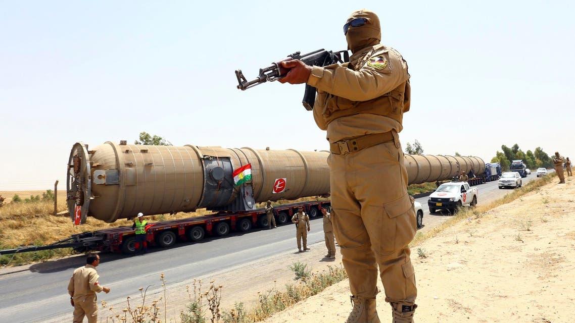 أحد عناصر قوات الأمن الكردية