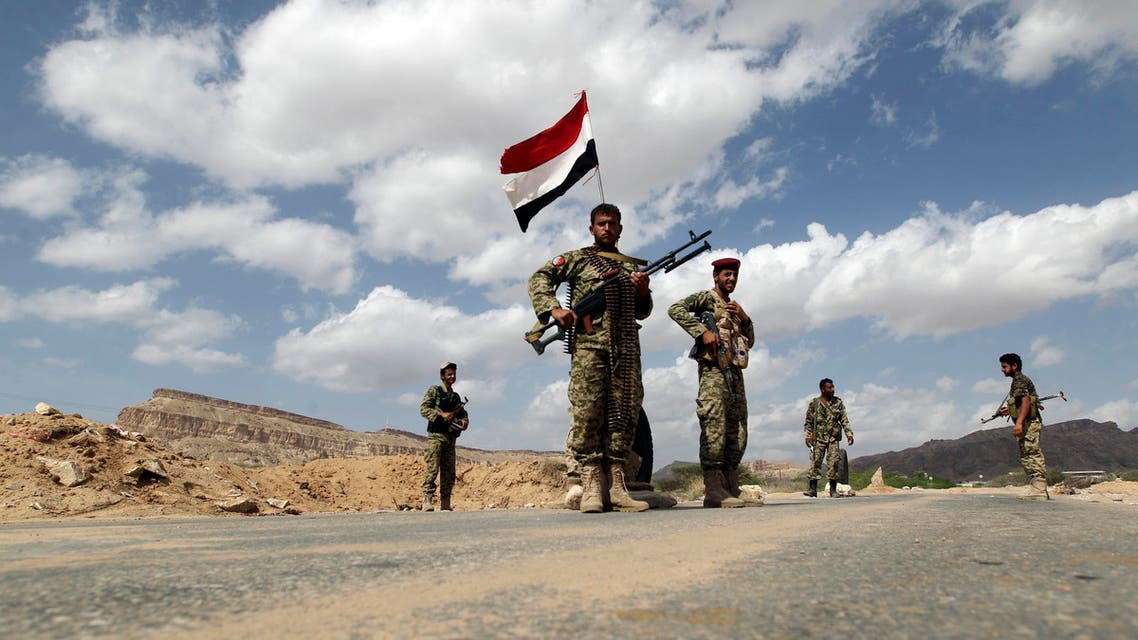 Yemeni soldiers man a checkpoint in al-Mahfad in the southern Yemeni province of Abyan May 23, 2014 afp