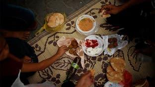 """وصول أول قافلة لـ""""برنامج الأغذية"""" إلى غزة عبر رفح"""