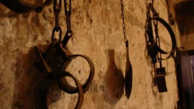 سوريا.. النظام يتخلص من جثث ضحايا التعذيب بحرقها