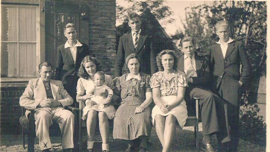 The Zanoli Family in 1942, Netherlands. (Courtesy of: The Righteous Among the Nations) yadvashem.org