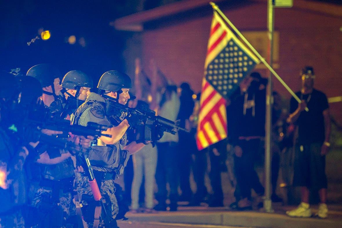 اصابة متظاهرين بالرصاص في احتجاجات فيرغسون