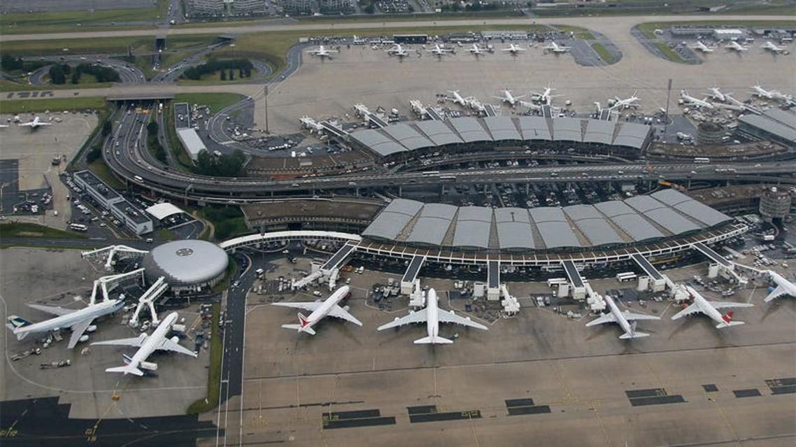 مطار شارل ديغول في فرنسا