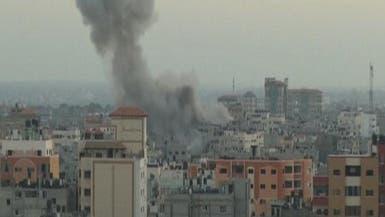 إسرائيل تغير على أهداف لحماس وتوقف إدخال الوقود لغزة