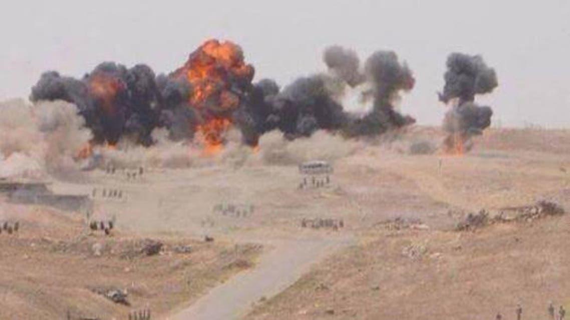 قصف الطيران الحربي على مجموعات من تنظيم داعش حاولت اقتحام مطار الطبقة