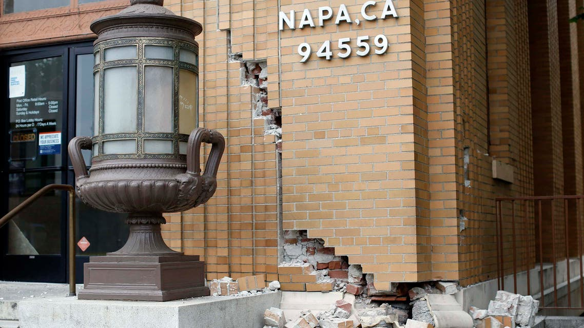 Damage is seen at the U.S. Post Office building after a 6.0 earthquake in Napa, California August 24, 2014. (Reuters)