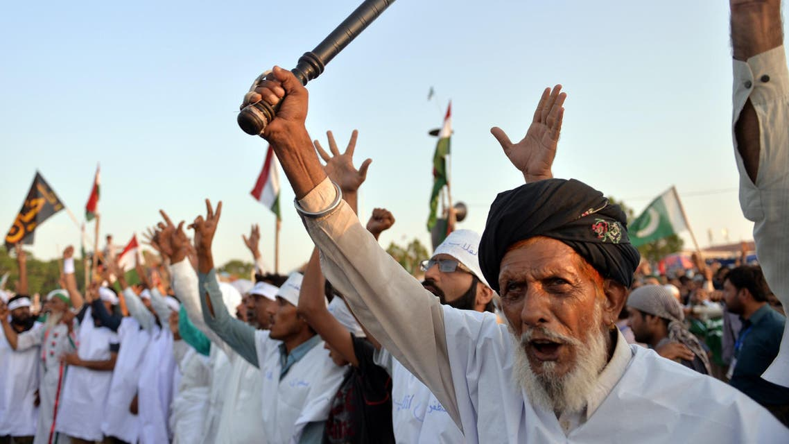 Pakistanis rally against the prime minister