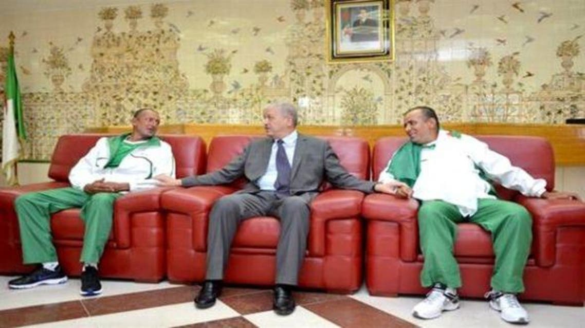 الدبلوماسيين الجزائريين بعد تحريرهما من الدعوة والجهاد