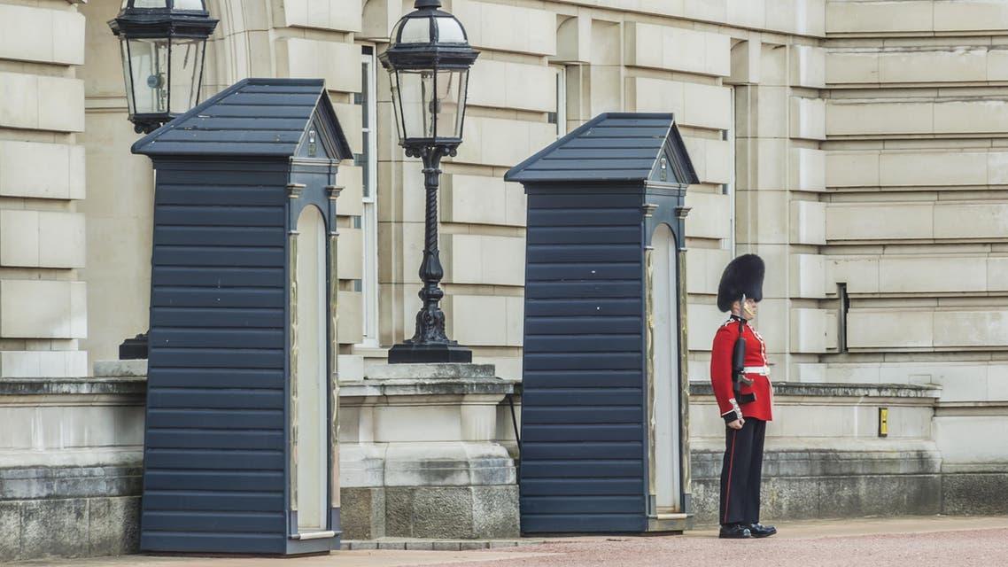 buckingham guard shutterstock