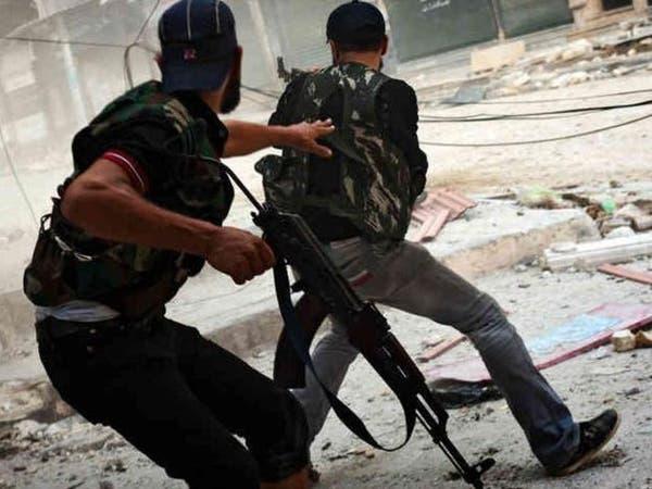 الجيش الحر يدعو قوات النظام للانشقاق متعهداً حمايتهم